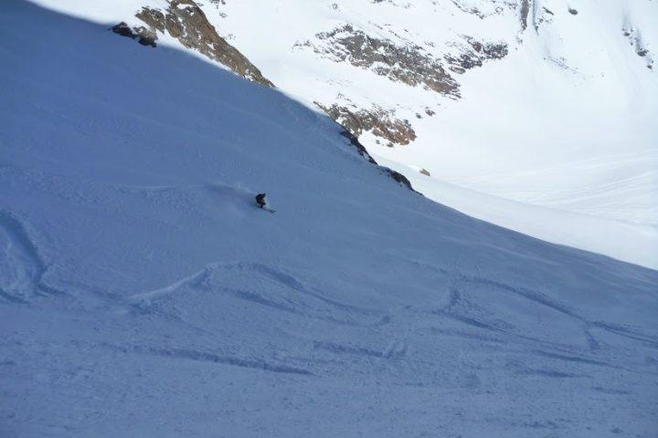 ski hors-piste et freeride avec un guide à l'alpe d'Huez