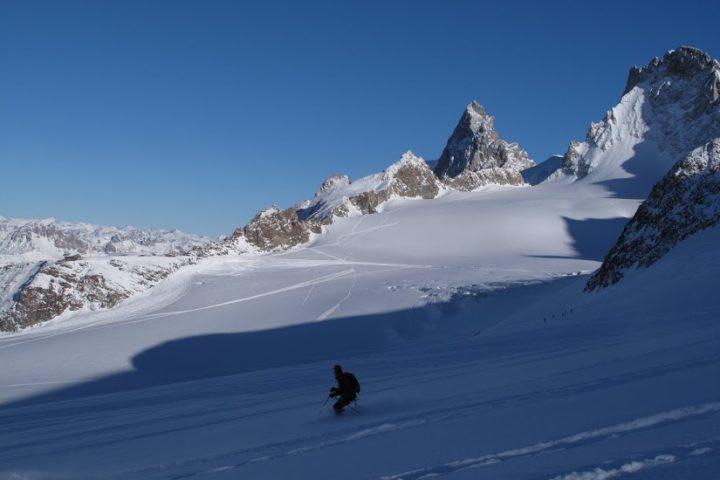 ski hors piste avec des guides à la Grave