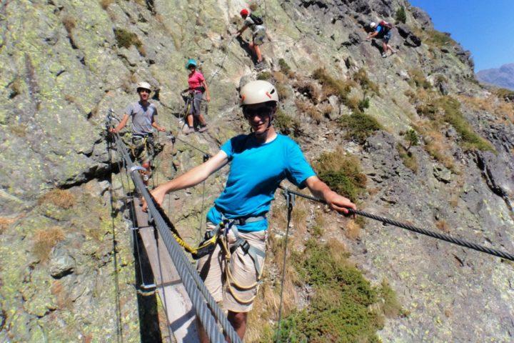 Via ferrata de Chamousse, les lacs Robert avec le bureau des guides de Grenoble.