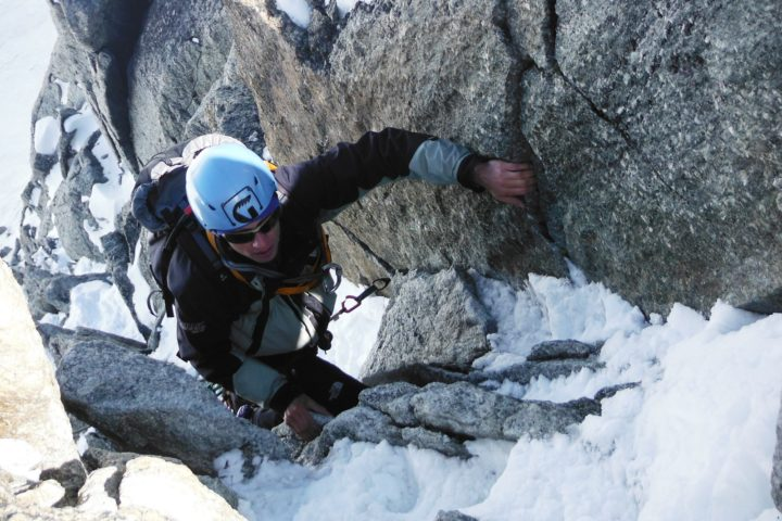 escalade en crampons dans du mixte alpin goulotte