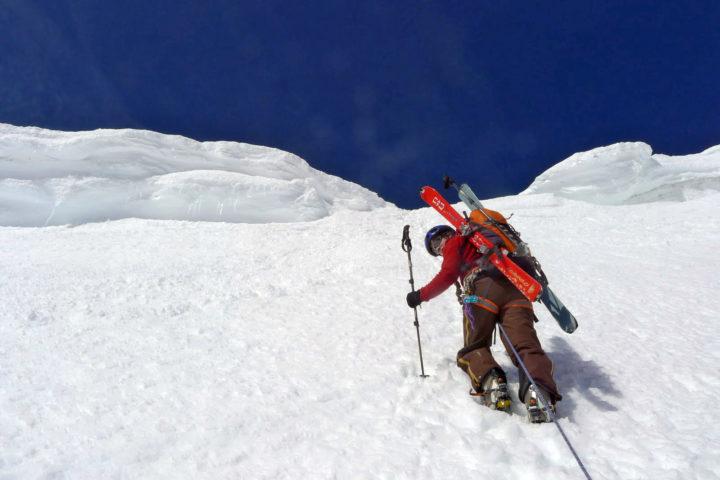 passage technique lors d'un raid à ski avec le bureau des guides de grenoble