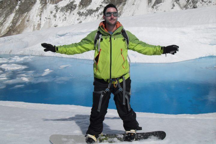sur la mer de glace, face au lac du glacier