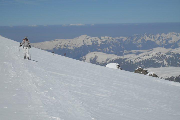 Arrivée au refuge de l'aigle en ski de rando