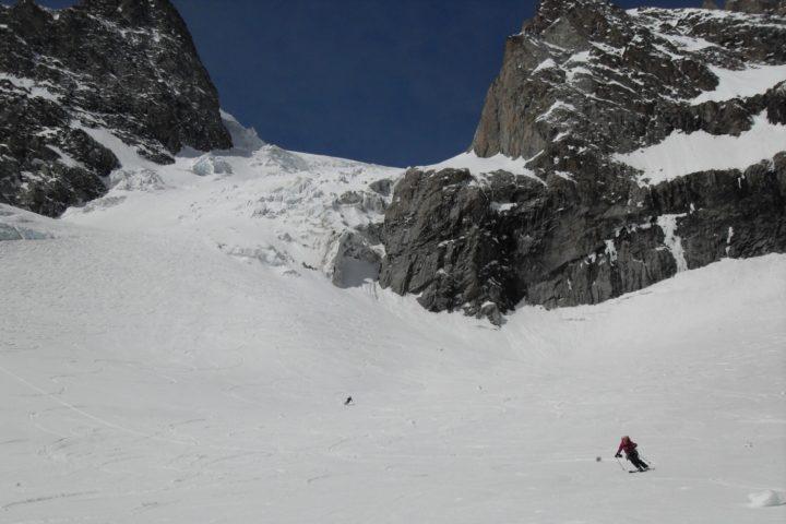 descente à ski du glacier de l'homme
