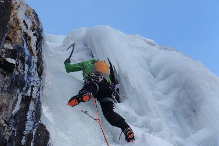 cascade de glace avec les guides de Grenoble