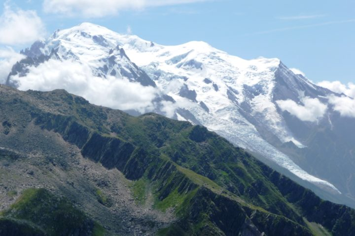 voie normale du Mont-blanc avec le bureau des guides de Grenoble