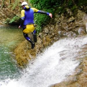 Canyoning Grenoble, saut en canyon, ecouges