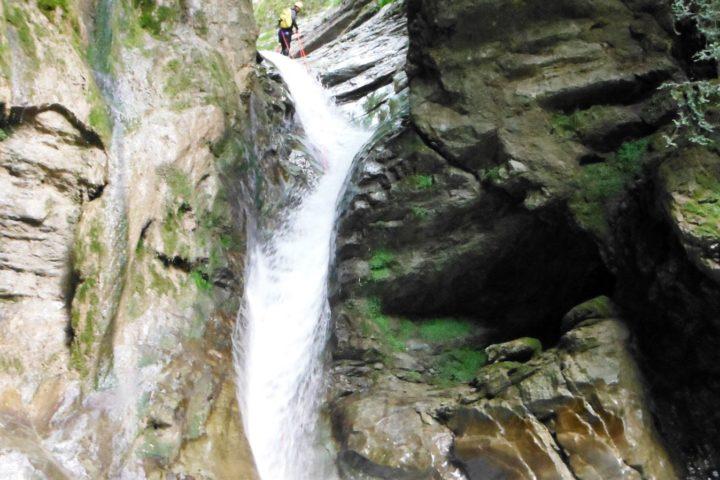 Canyoning Grenoble, passage de la Vrille dans les Ecouges 2
