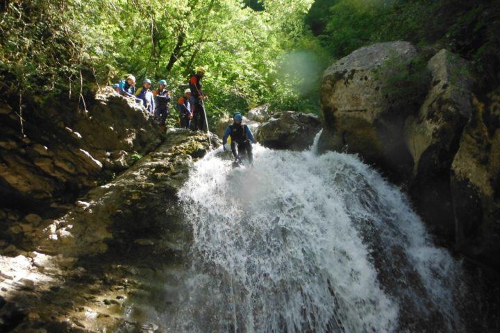 canyoning Grenoble, toboggan freiné dans les couges