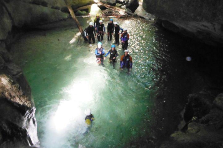 canyoning Grenoble, jolie vasque dans les moules marinières