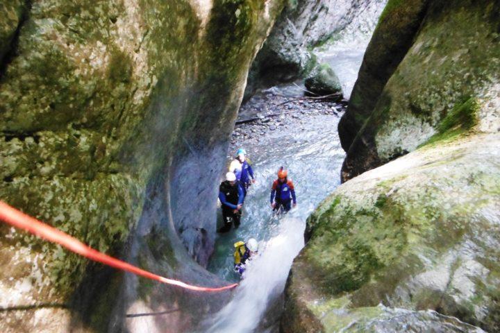 rappel dans un canyon du Vercors