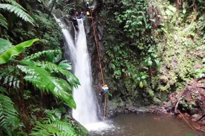 descente en rappel avec le bureau des gudes en Guadeloupe