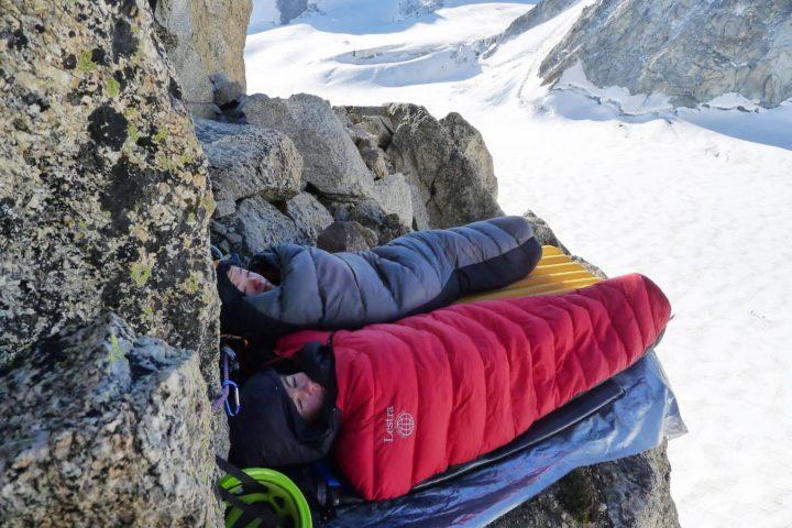 bivouac en montagne avec le bureau des guides de Grenoble