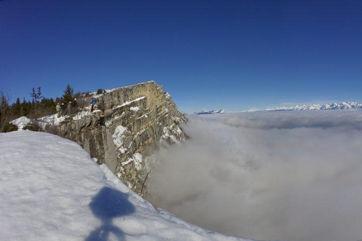 Rappel au dessus de la mer de nuages qui surplombe Grenoble